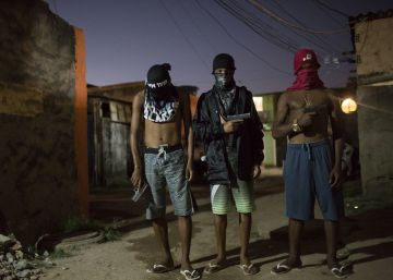 La mayor organización criminal de Brasil lanza una 'ofensiva empresarial' en Río de Janeiro