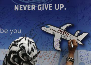 Acabam as buscas pelo avião da Malaysia Airlines desaparecido em 2014