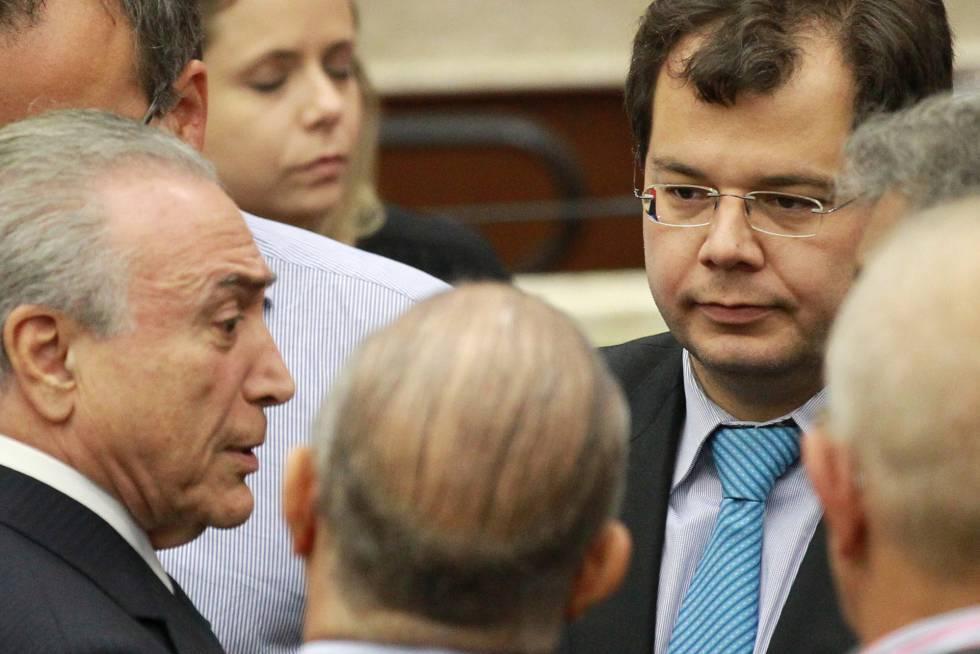 Presidente Michel Temer fala com Francisco Zavascki, filho do juiz do STF Teori Zavascki no velorio dele