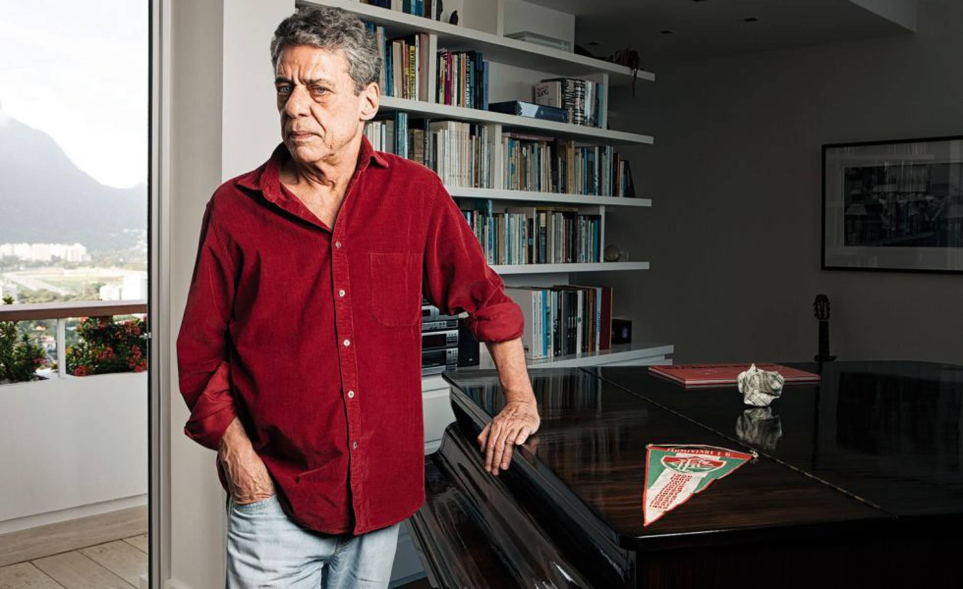 O Brasil precisa voltar a amar Chico Buarque