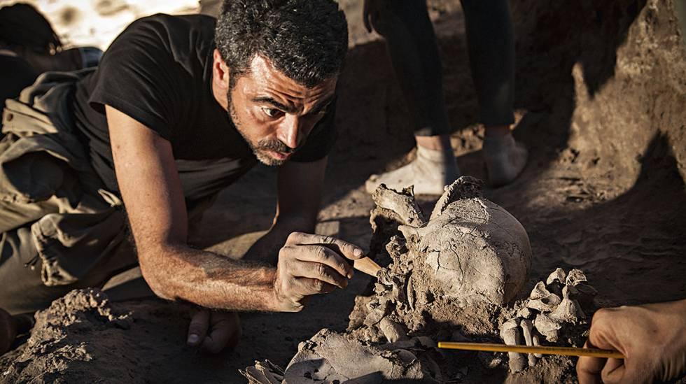 """Em MG, arqueólogos buscam vestígios milenares dos """"povos de Luzia"""""""