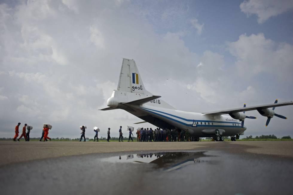 avião desaparece em Mianmar