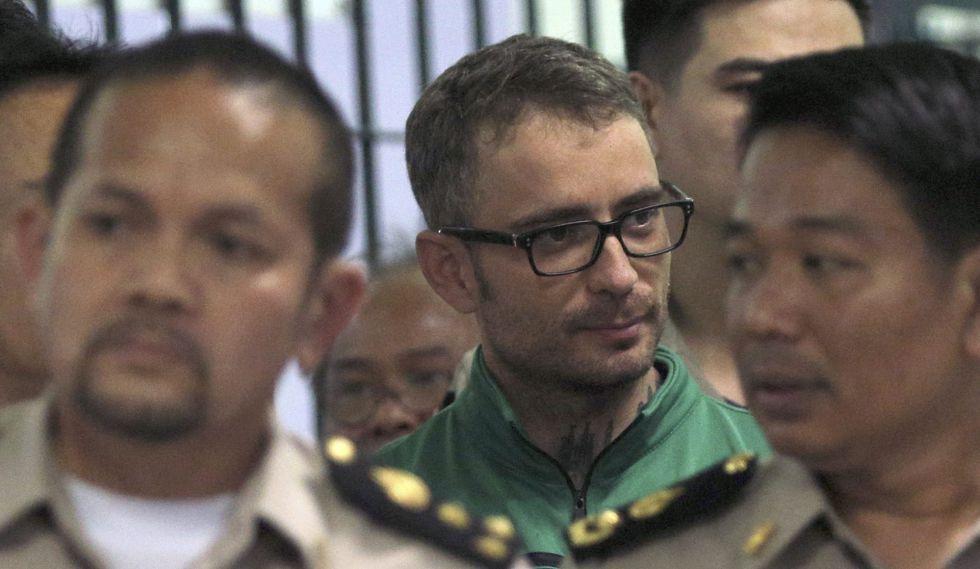 Artur Segarra llega al juzgado de Bangkok.
