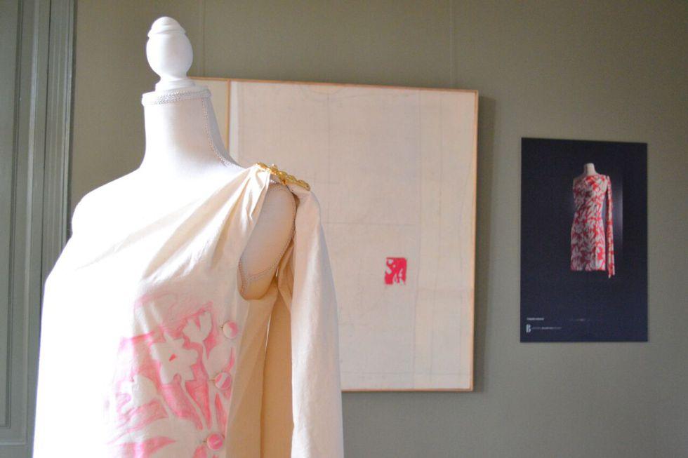 Detalle de la exposición 'Entredós: estirant el fil'.