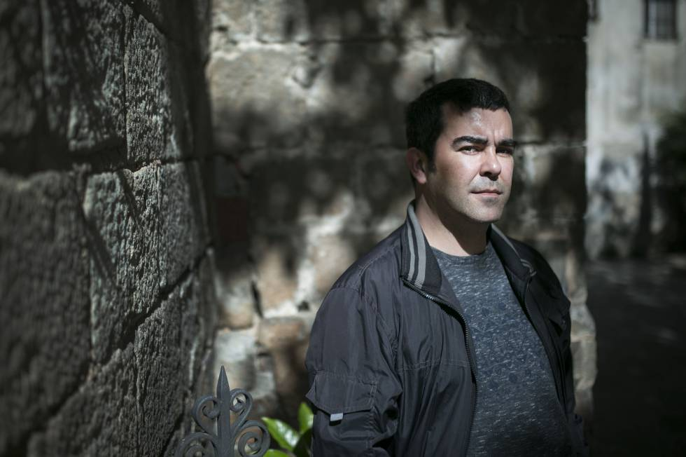 Joan Todó publica 'Lladres'.