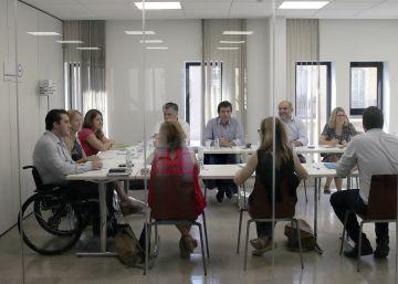 Demòcrates cierra filas con Homs y contempla el referéndum unilateral