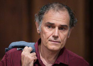 El escritor Javier Pérez Andújar, galardonado con el premio Christa Leem
