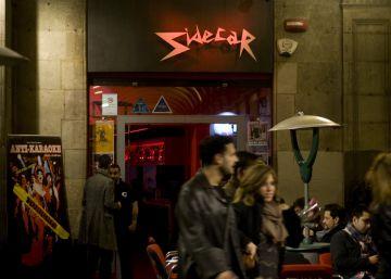Colau pone coto a nuevos negocios turísticos y de ocio en Ciutat Vella