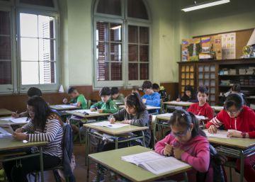 Los libreros esperan que un 20% de las familias recojan el libro gratuito de la Generalitat
