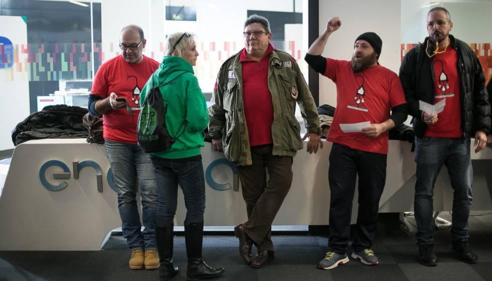 Un juez suspende la obligaci n de las empresas de for Endesa oficinas barcelona