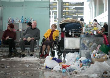 Els treballadors de la neteja del Prat desconvoquen la vaga de Nadal