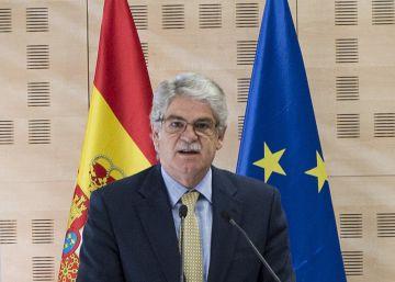 Exteriores descoloca con su marcha a los socios del principal centro de estudios catalán