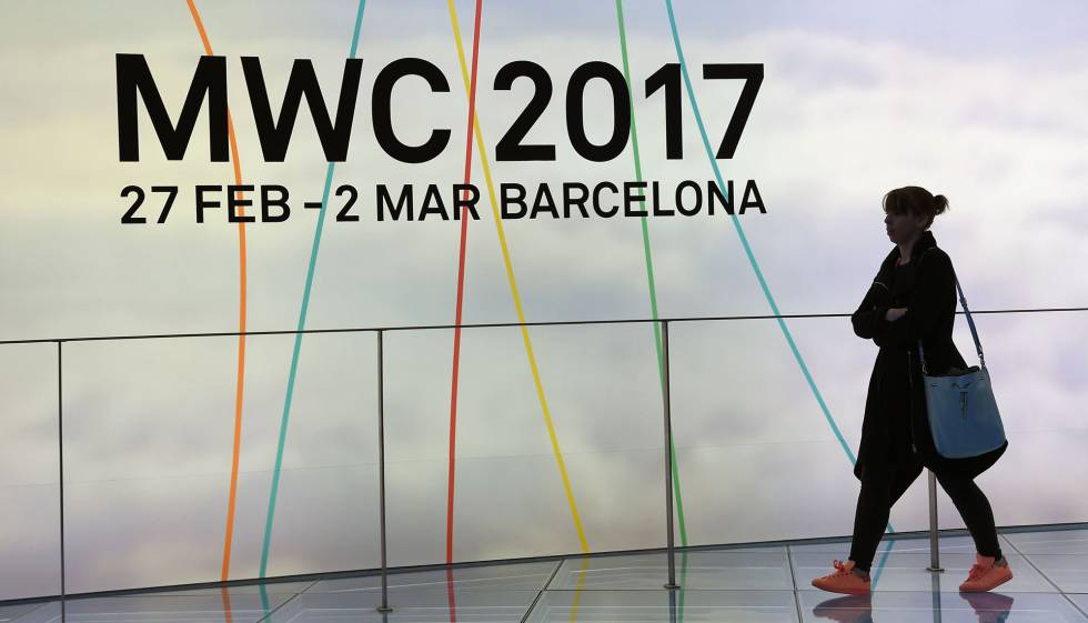 Una visitant del Mobile World Congress.