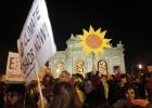 La 'cabalgata indignada' reúne a miles de personas en Sol