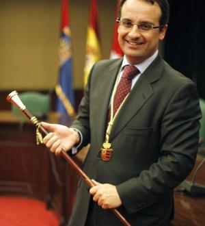 Daniel Ortiz, cuando tomó posesión de la alcaldía de Móstoles, en 2012.