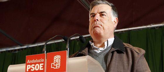 José Antonio Viera en la comparecencia en la que ha anunciado su dimisión.
