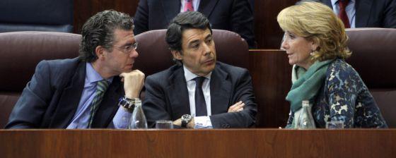 Aguirre, con González y Granados, en 2009.