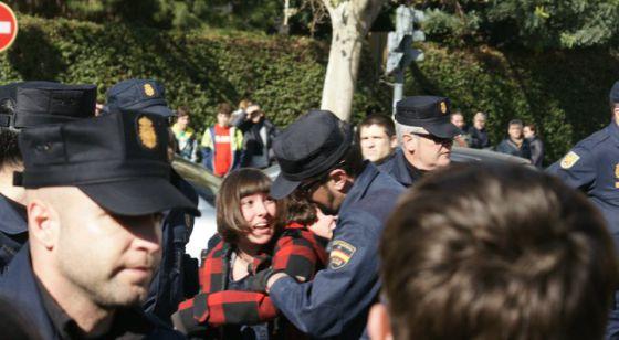 Carga policial contra los alumnos del Luis Vives