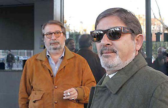 Guerrero, en primer plano, con su abogado antes de declarar.