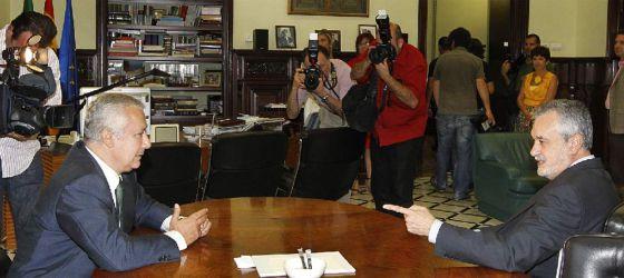 Javier Arenas y José Antonio Griñán, en una reunión del pasado año.