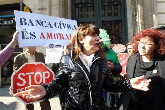 Un banco renuncia a la subasta de un piso para no perder for Subastas pisos barcelona