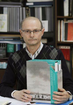 El catedrático de Historia del Arte, Alfredo Vigo / ANXO IGLESIAS