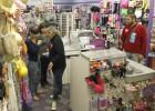 El comercio, de cierres preventivos a huelga de consumidores