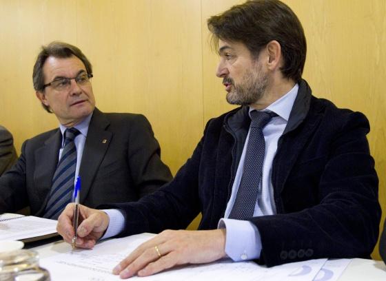 El presidente de Convergència Democràtica de Catalunya (CDC), Artur Mas, y el secretario general, Oriol Pujol, en Barcelona en la primera ejecutiva del partido tras el congreso de Reus (Tarragona)