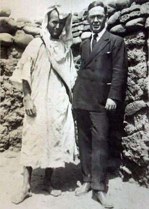 Blas Infante, en Agmat (Marruecos), en la tumba de Al Mutamid (1924).
