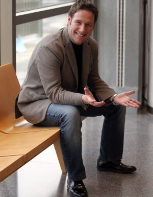 El humorista e imitador Carlos Latre, ayer en el Palacio Euskalduna