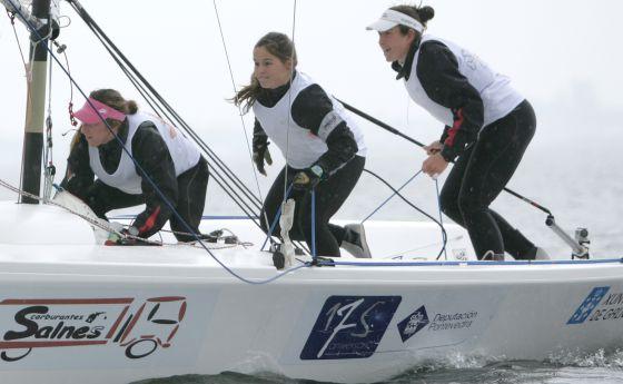 De izquierda a derecha: Ángela Pumariega, Sofía Toro y Tamara Echegoyen.
