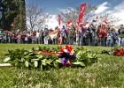 Recuerdo a los bebés robados en el homenaje a las víctimas de Franco