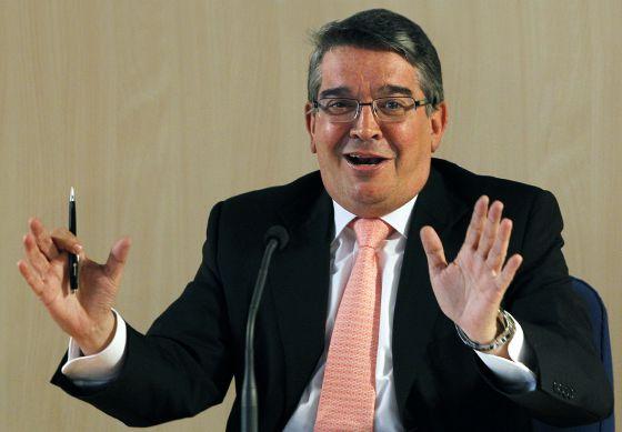 José Manuel Vela, consejero de Hacienda, explica el plan de pago a proveedores.