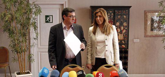 José Luis Centella y Susana Díaz, momentos antes de presentar el acuerdo programático entre PSOE e IU.