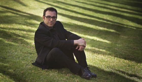 Sergi Belbel, en los jardines del TNC.