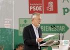 Griñán anuncia una reducción de cargos en el nuevo Gobierno
