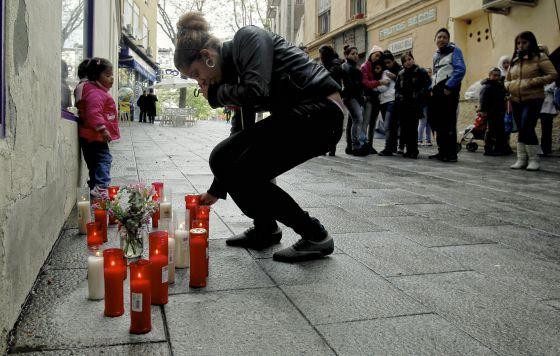 Duelo de amigos del joven asesinado en Vallecas.