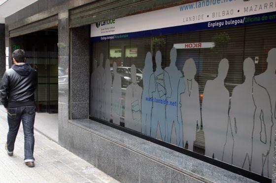 Lanbide privatizar la atenci n a los parados con mayores for Oficinas lanbide