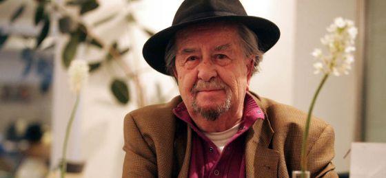 El poeta gaditano Carlos Edmundo de Ory, en noviembre de 2007.