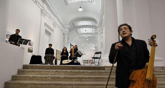 Los integrantes de Capella de Ministrers, ayer, durante su concierto en el Centre del Carme, en Valencia.