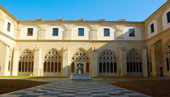 Una vista de los claustros de Santo Domingo, de Jerez, tras su restauración.
