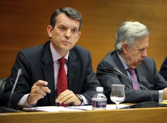 Jorge Vela, director del IVF, en la comisión sobre la CAM en las Cortes.
