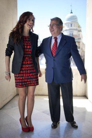 Juan Ignacio Zoido y Pastora Soler en la presentación del programa.