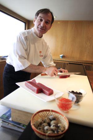 El cocinero del restaurante japonés SOY, Pedro Espina.