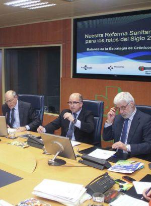 Bengoa (primero a la izquierda), en la comisión.