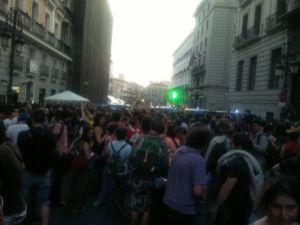 Los indignados, encajonados en la calle Alcalá.