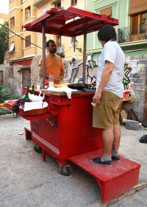 La cocina móvil que utilizan en le cena 'freegan'.
