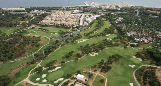 Vista aérea del campo de Golf de Cabopino, en Marbella.