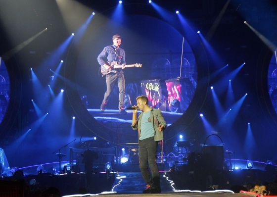 Un momento de la actuación de Coldplay, con Chris Martin al frente.