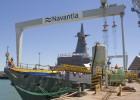 El 'Juan Carlos I' pasa su primera revisión en el astillero de Cádiz